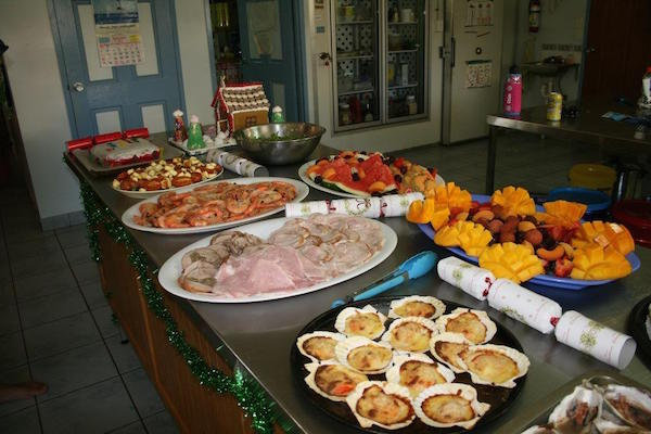 7.22Christmas Day feast in helen Springs kitchen