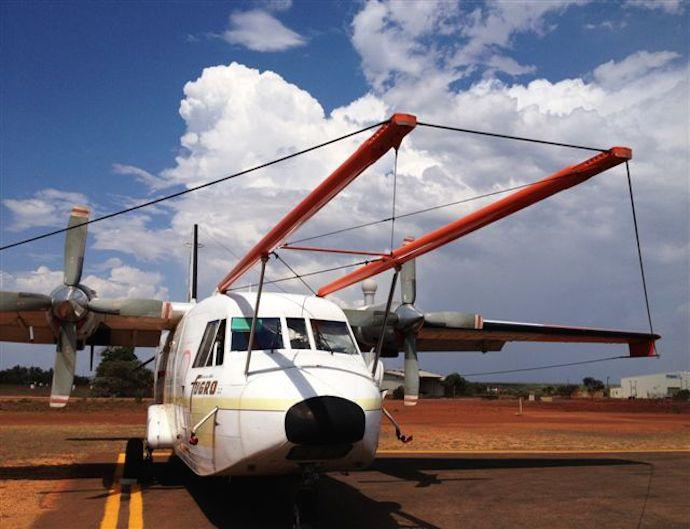 AEM-plane-0033